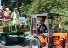 Der Traktor ist ein Oldtimer, der in unserer Metallwerkstatt wieder flott gemacht wurde.