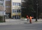 direkt vor der Hans-Fallada-Schule