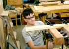 Ein Kepler-Schüler aus dem Irak mit Umweg USA in unserer Holzwerkstatt
