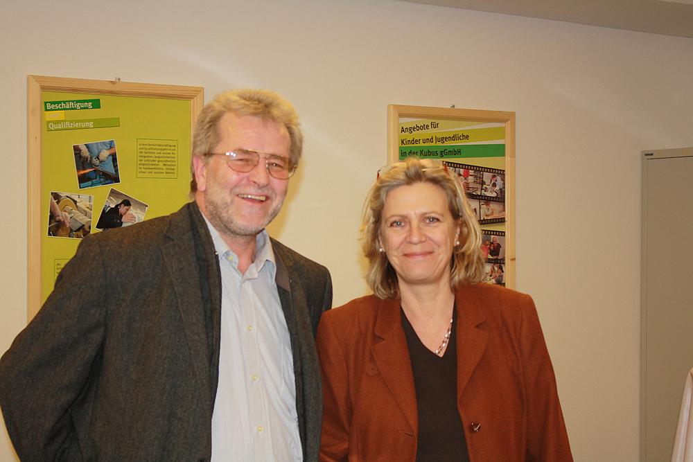 v.r.n.l. BzStRin Dr. Sybill Klotz & Siegfried Klaßen (Geschäftsführer KUBUS gGmbH)