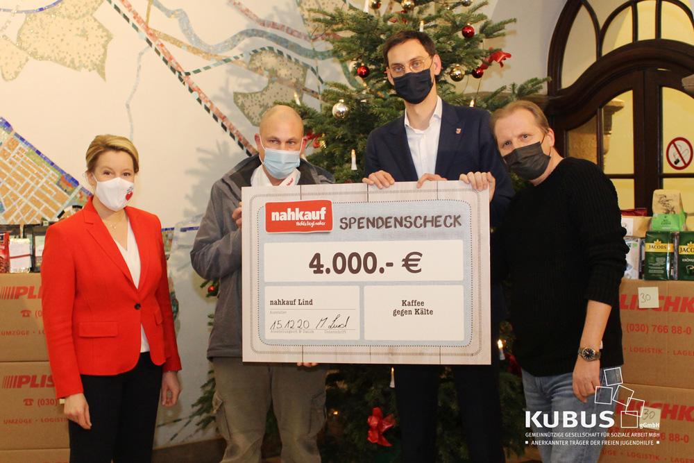 v.l.n.r. Franziska Giffey (Bundesfamilienministerin), Michael Lind (Nahkauf), Martin Hikel (Bezirksbürgermeister Neukölln), Gernot Zessin (KUBUS gGmbH)
